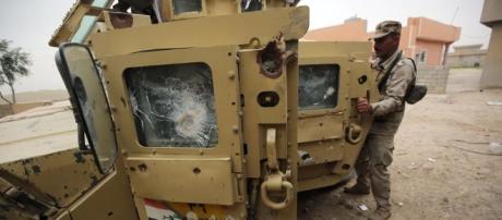 Isis attack kills 32 near Syria refugee camp on Iraq border