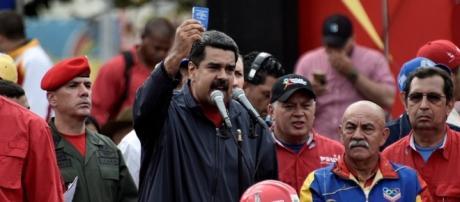 Nicolás Maduro proclama la creación de una nueva Carta Magna Vía com.ni