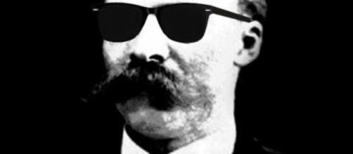 Algo sobre el bigote más emblemático de la filosofía.