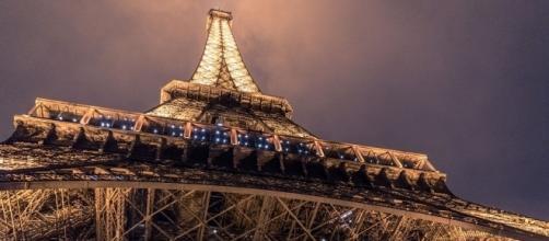 Photo Eiffel Tower via Pixabay by Pexels / Public Domain