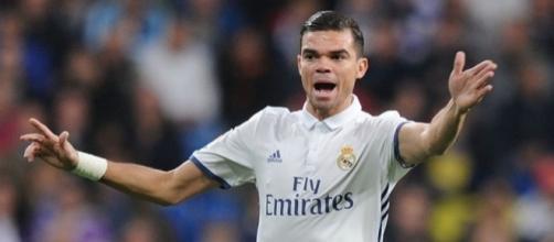 Real Madrid: Le prochain club de Pepe se précise!