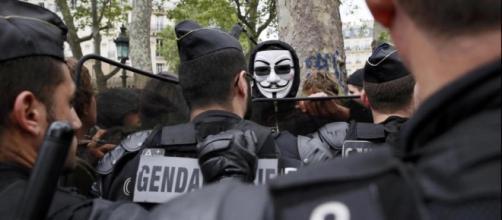 Terrorismo, black bloc e hooligans: così la Francia sprofonda nel ... - lineadirettaeuropa.eu