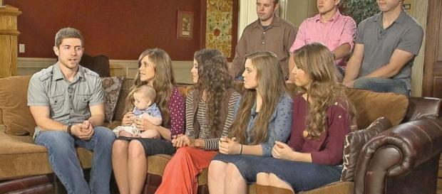 Duggar Family 'Moving On' After Josh Duggar Scandal - ABC News - go.com