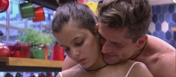 Fãs reclamam do afastamendo de Emilly e Marcos