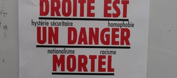 L'extrême droite est une menace! Tous ensemble! Tous ensemble! Barrage