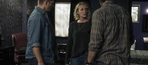 Mary isn't sure about the British Men of Letters in 'Supernatural' [Image via Blasting News Library]