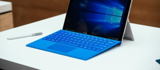 Microsoft Surface Pro 5 Rumors: New Tablet/Laptop Hybrid To Come ... - itechpost.com