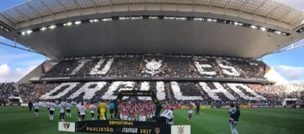 Partida contra o São Paulo detém o recorde de público da Arena