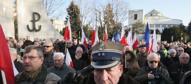 Protest w obronie ubeckich przywilejów