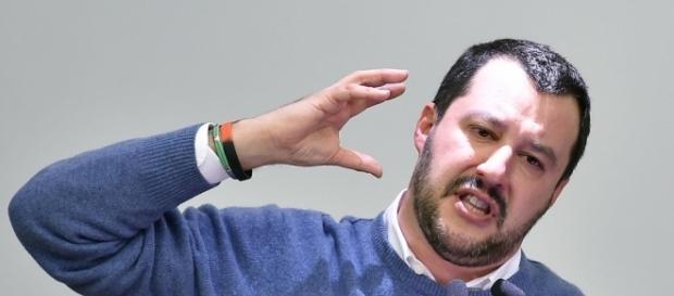 """Salvini: """"Immigrati vanno scaricati sulle spiagge, con un ... - ilsole24ore.com"""