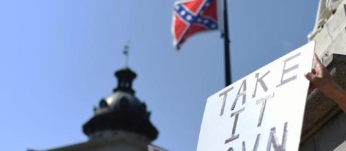 Lawmakers debate Confederate flag - Macleans.ca - macleans.ca (Blasting News Archive)