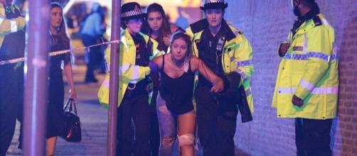 Una giovane ragazza ferita al Manchester Arena