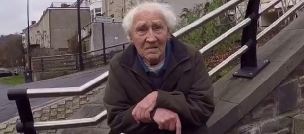 """Ivor Gifford foi flagrado pelo grupo The Hunted One, que cria perfis falsos em redes sociais para """"caçar"""" pedófilos e entregá-los à polícia"""