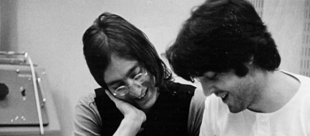 John Lennon e Paul McCartney, fotografati da Linda McCartney