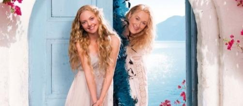 Amazon.com: Mamma Mia! The Movie: Meryl Streep, Pierce Brosnan ... - amazon.com