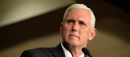 Notre Dame Students walked out on Mike Pence commencement speech - Photo: Blasting News Library - trumparmy.net