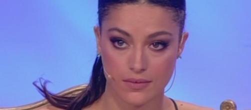Uomini e Donne anticipazioni: Desirée Popper ABBANDONA IL TRONO ... - bitchyf.it