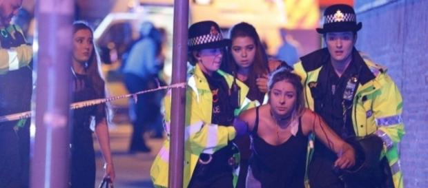 Blast at Ariana Grande concert at Manchester Arena kills 19 people ... - 6abc.com