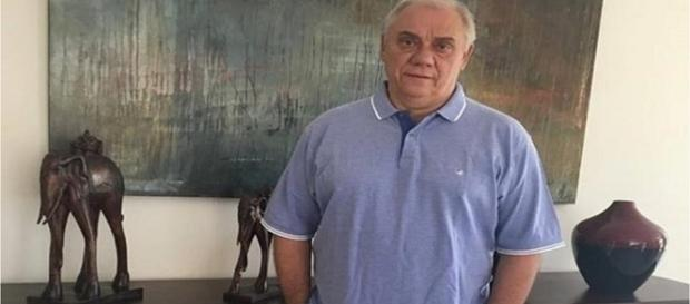 Marcelo Rezende procura ajuda espiritual para se livrar do câncer