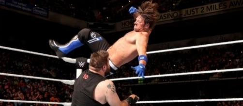 AJ Styles battled Kevin Owens for the United States title at WWE 'Backlash' 2017. [Image via Blasting News image library/inquisitr.com]