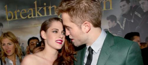 Kristen Stewart is open to work with Robert Pattinson again but she wants one thing to happen first. (via Blasting News library)