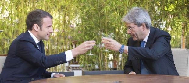 Emmanuel Macron e Paolo Gentiloni all'Eliseo