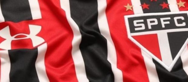São Paulo joga nesta segunda-feira (22)