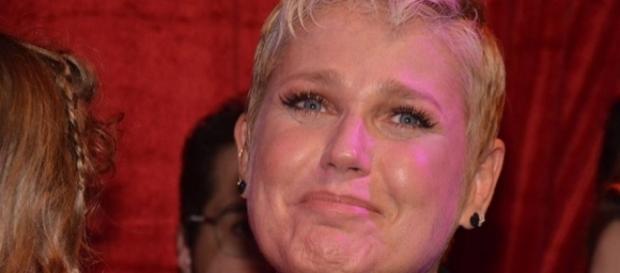 Ex-Paquita critica homenagem feita a Xuxa, durante um show