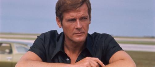 James Bond actor, Roger Moore, passes away at age 89. - BN photo library