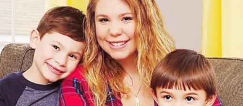 Kailyn Lowry from Teen mom with her children from the Blasting News library
