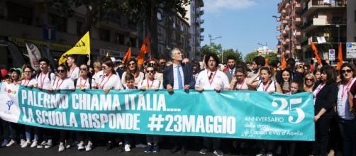 Testa del corteo. In prima fila il Prof. Fabrizio Micari Rettore dell'Università di Palermo