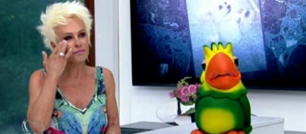 Ana Maria Braga, que já passou três vezes pelo câncer, afirmou que pensa em se internar para cura de vício