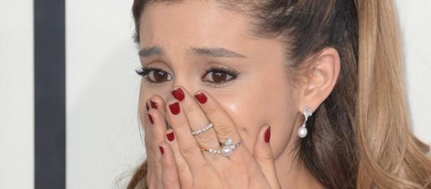 Ariana Grande está bem de saúde