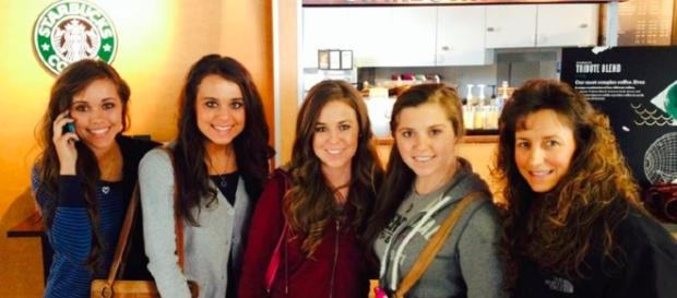 'Counting On' sisters. Photo sourced from Duggar Family Official Facebook
