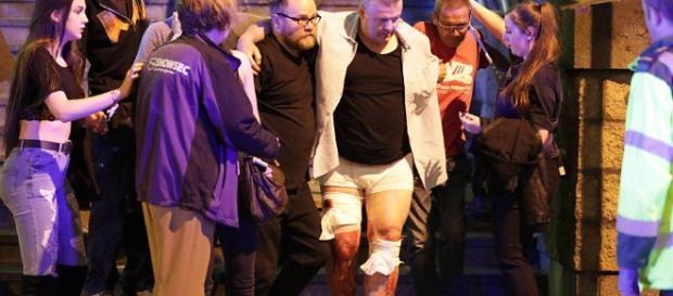 Homem-bomba teria acionado o despositivo quando o público já se retirava da Manchester Arena ( Foto: Reprodução)