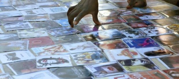 La piratería en el cine. Una mirada desde la Doctrina Social de la ... - revistaecclesia.com