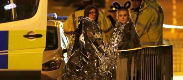 Manchester, attentato al concerto di Ariana Grande: almeno 19 ... - lastampa.it