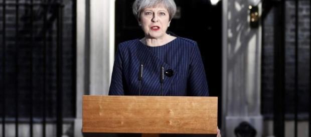 May acusa União Europeia de se unir contra Reino Unido | Mundo ... - dw.com