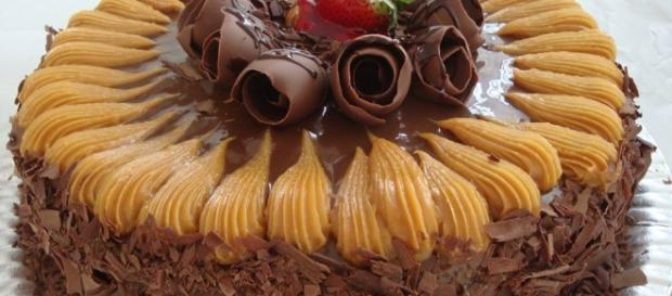 Receita de bolo de chocolate com doce de leite