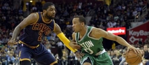 Kyrie Irving and the Cavs shut down Avery Bradley and the Celtics' try at a Game 4 win. [Image via Blasting News image library/hardwoodhoudini.com]