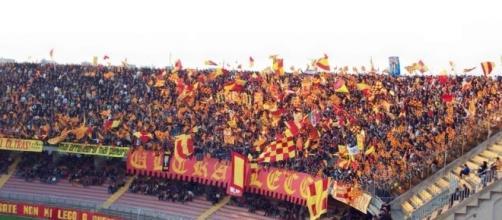 Lo stadio di Lecce, 'Via del mare'.