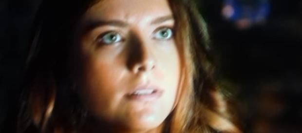 Lia fica entre a vida e a morte na novela (Foto: Reprodução/Record TV)