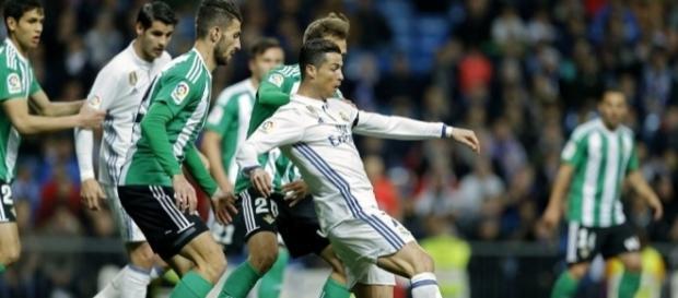 Real Madrid: Une nouvelle pépite proche de signer!