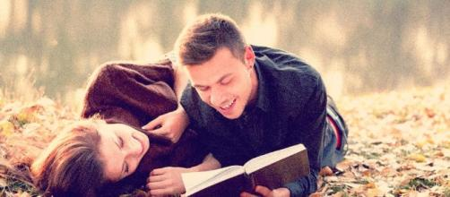 13 Reasons Why Couples Who Read Together, Stay Together - lifehack.org