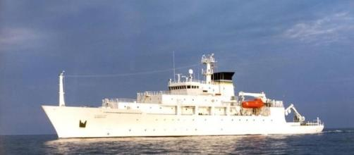 Chinese Navy seizes American underwater drone in South China Sea ... - hindustantimes.com