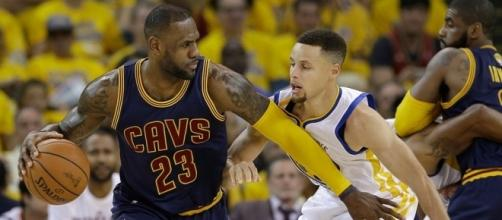 LeBron James Still Beating Stephen Curry In Retail [PHOTOS ... - footwearnews.com