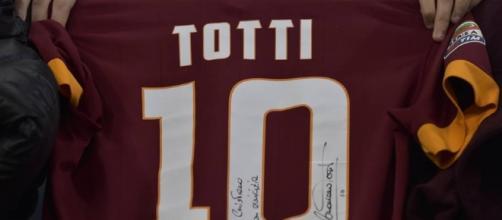 Roma, Totti e la serata all'Olimpico: tanti cori - gazzetta.it