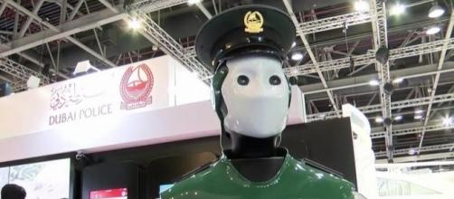 """World's first operational Robocop"""" hits the streets as Dubai ... - mirror.co.uk"""