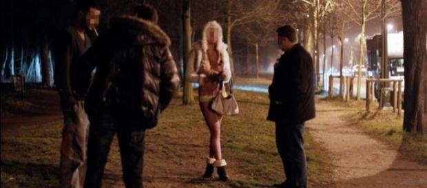 Amnistía Internacional denuncia que prohibir la prostitución daña ... - elpais.com
