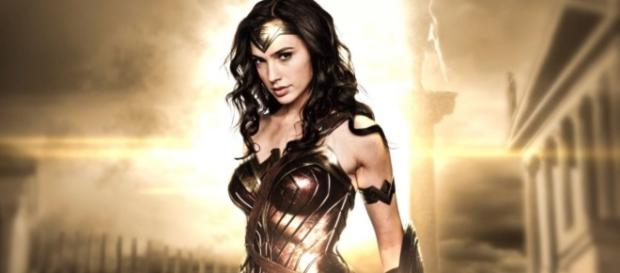 Gal Gadot is bringing the final 'Wonder Woman' trailer to the MTV ... - batman-news.com